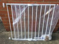 Lindam baby gate wall fixed