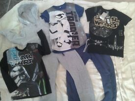 Boys clothes bundle age 5-6 Star wars T-shirts 1 is Brand New with tags + joggers + hoodie