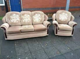 FABRIC SOFA SET LIKE NEW FREE DELIVERY LOCAL