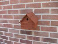 NEW HANDMADE WOODEN LOG CABIN BIRD HOUSE