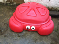 Toddler Crabbie Outdoor Sandbox with 2 Built-In Seats and Cover Kid's Play Toy