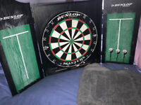Dunlop Masters Dart Board *Great Condition* comes with 3 x darts frame, chalk board and hangup hook