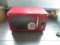 Daewoo KOR6N9RR 800W 20 Litre Red Retro Microwave