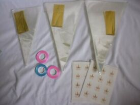 300 Sweet Cones with Gold ties, ribbon and stickers - Brand new