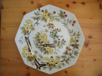Attractive, brightly coloured 8-sided plate decorated with flowers, leaves & birds. £6 ovno