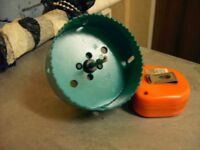 HOLE SAW, HOLE CUTTER, WITH CENTERING DRILL, 10CM, 4 INCHES, BRAND NEW NEVER BEEN USED.