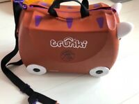 Kids luggage- Gruffalo trunki