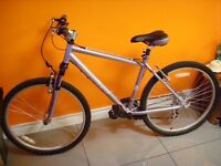 "Apollo Comfort Bike 18"" TekTRO/Shimano in very good condition - delivery available"