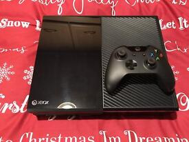 Hardly usedXBox 0ne 500 Gb, Excellent condition boxed with controller