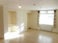 Large 3 Bedroom Flat in Manor Park dss acceptable with guarantor