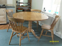 Craftsman made Round Pine Table -122cms ( 4ft) diameter, in VG Condition ( No Chairs). Only £49.