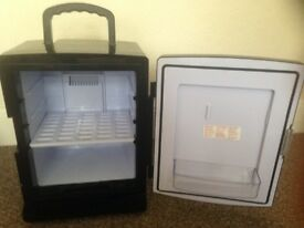 Termoelectric mini fridge 20L