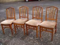 4 dining chairs in mahogany. Four upholstered chairs.