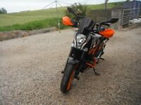 2015 KTM DUKE 390 with lots of extras