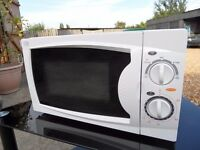 Microwave oven. 700w.