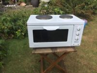 Small Beko oven with 2 hotplates