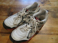 Cricket shoes size 11, with spikes. Good condition and good quality. Please look at picture.