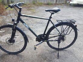 Large frame mens touring hybridd bike very good condition build in lights Bargain
