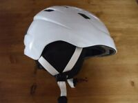 Delta Sport Safety Helmet For Skiers /Snow Boarders/Cycles