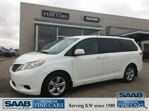 2011 Toyota Sienna ACCIDENT FREE 8 Passenger Back-UP camera Powe