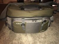 Greys Platinum Large Fishing Carryall / Fishing Bag Holdall - Hard Solid Base