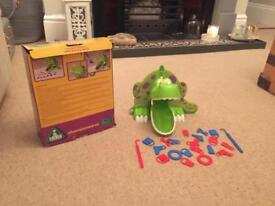 Early learning chomposaurus game
