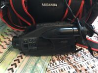 Sanyo VM-D9P fuzzy logic camcorder