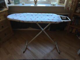 Ironing board - adjustable legs