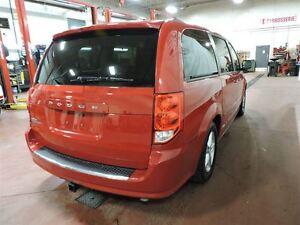 2012 Dodge Grand Caravan SXT,ATTELAGE REMORQUAGE,8 PNEUS ET RIMS West Island Greater Montréal image 4