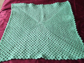 BRAND NEW - HAND CROCHETED BABY BLANKET/SHAWL – MINT GREEN WITH MANDALA/FLOWER CENTRE