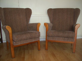Two vintage armchairs (beige/brown)