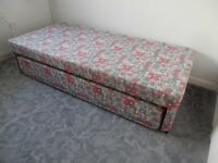 Single bed base/pull out extra bed.