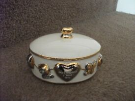 Daughter I Wish You .......... Heirloom Porcelain Music Box from Bradford Exchange