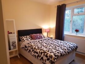Modern room with ensuite to rent in Headington Oxford