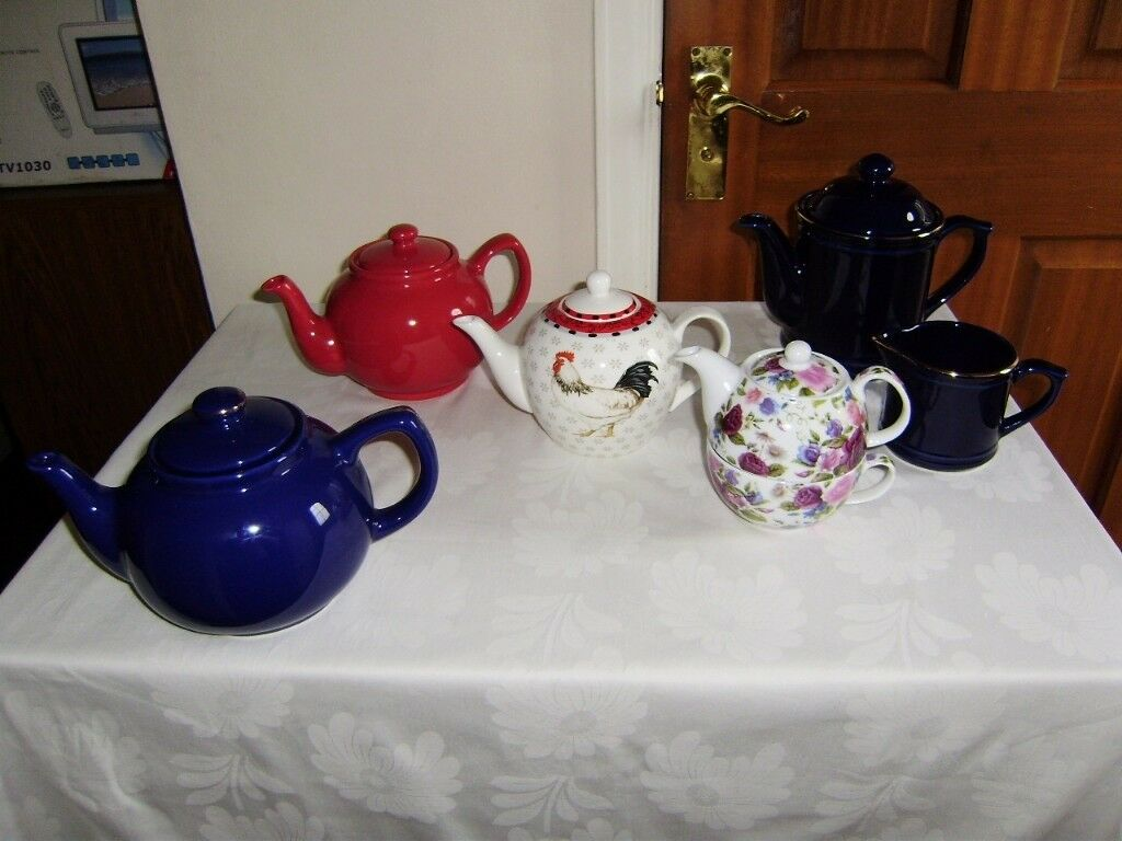 Teapot, colllection of teapots, perfect condition
