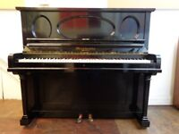 Beautiful black Murdoch Normelle upright piano, reconditioned and repolished, with 3-year guarantee