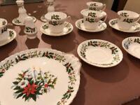 Royal Sutherland Christmas Dinner Set
