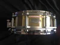 Pearl 14x5' Brass Free floating snare drum