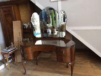 Beautiful 5 drawer vintage dressing table