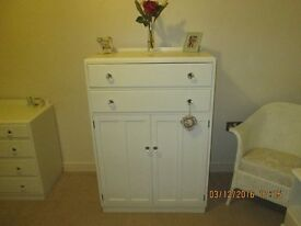 CHEST OF DRAWERS / TALLBOY PAINTED LAURA ASHLEY COUNTRY WHITE