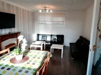 SHORT TERM LETS - CORPORATE /HOLIDAY - 4 BEDROOM DUPLEX - 2 SHOWER ROOMS - FREE FAST WIFI & PARKING