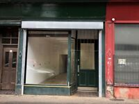 Shop to rent in Glasgow, G31 Parkhead/Tollcross - ideal for hairdresser or barbers