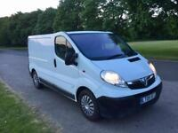 Vauxhall ViVaro 2.5ctdi 2009 6 speed A/C immaculate condition