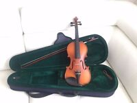 3/4 size vintag(1960) Universal SV-100 Violin WITH Case +Bow
