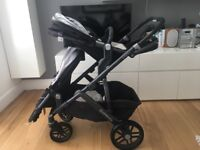 2015 Uppababy Vista travel system - 'Jake black' with toddler and rumble seat