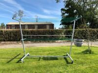 Clothes line on wheels
