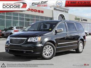 2014 Chrysler Town & Country Limited  DVD  BACK UP CAMERA  SUNRO