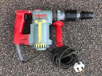 Hilti te17 240v hammer drill For repairs (no power)
