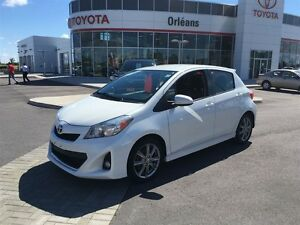 2012 Toyota Yaris SE/4DOOR HATCHBACK