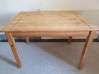 wooden table READ DESCRIPTION